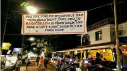 Netizens put a banner in Goa to stop using Google Maps for specific location
