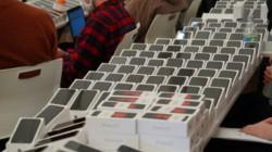 Coronavirus Effect: 2,000 Free iPhones Distributed To Passengers Aboard Diamond Princess