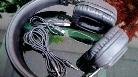 Ubon BT-B750 Light Up wireless headphones review: Affordable yet good in performance