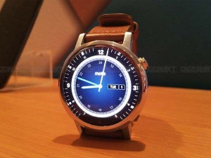 Up Close Personal With Moto 360 2nd Gen Smartwatch Launched In India