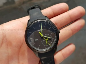 Timex Iq Move Review Fitness Tracker Disguised As Classic Analog Watch