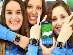 Samsung at MWC 2014 in Pictures: Samsung Galaxy S5, Gear Fit and More