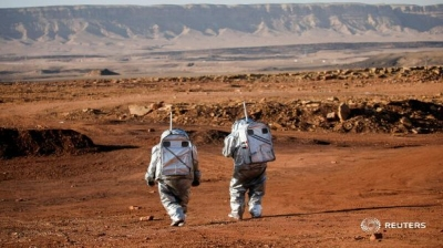 Israel Crater Turns Into Perfect Red Planet Base