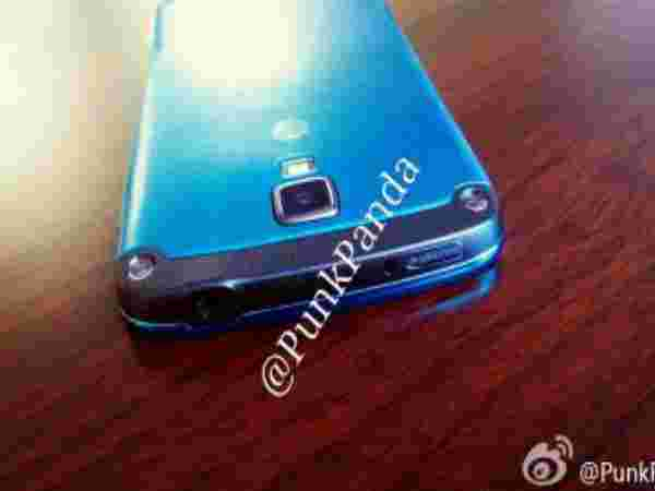 Galaxy S4 Active: Arctic Blue Variant