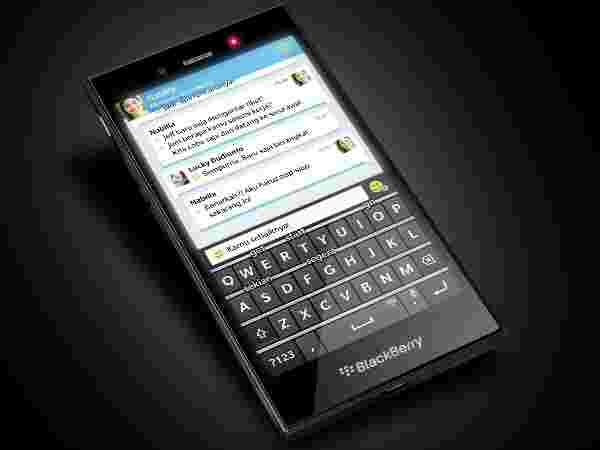 BlackBerry Prague: The First Android Smartphone
