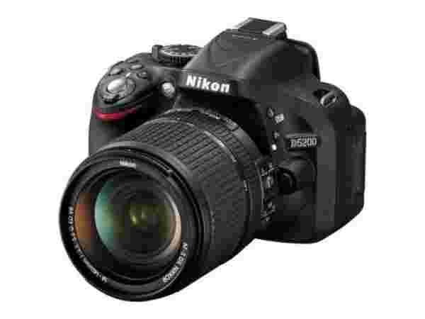 Nikon D5200 18 - 140 mm VR DX Lens DSLR Camera
