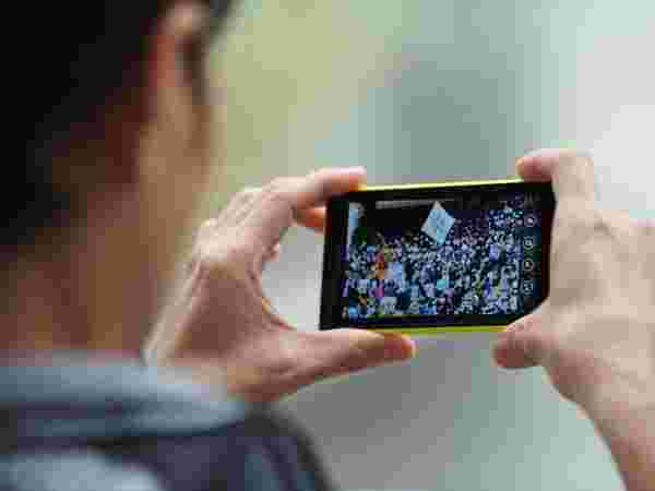 A 5.5-inch Quad-HD Super AMOLED display