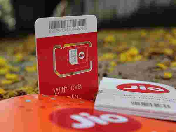 Reliance Jio SIM is just like other SIMs