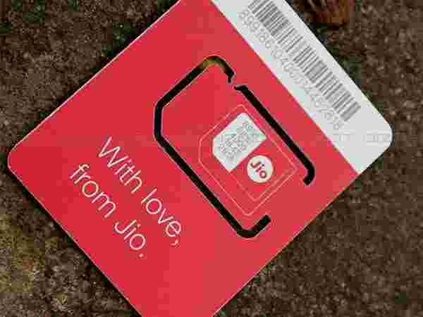 Reliance Jio SIM doesn't lock any device
