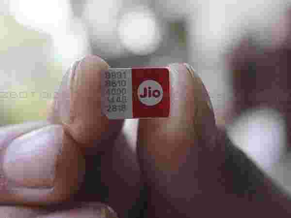 Reliance Jio SIM is LTE based