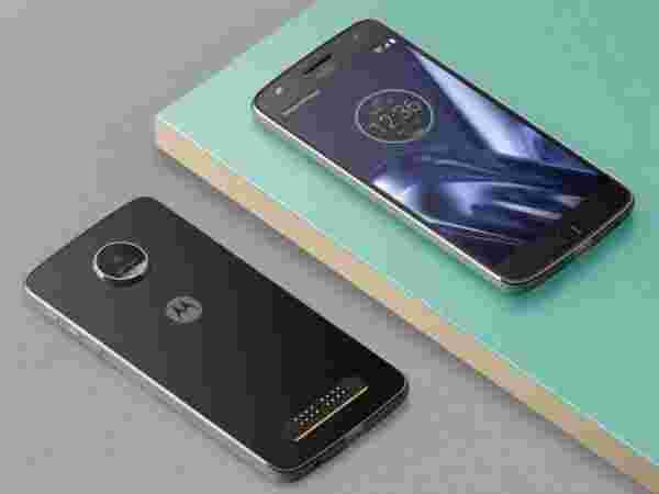 Motorola Moto Z Play (Get upto ₹22,000 off on exchange)