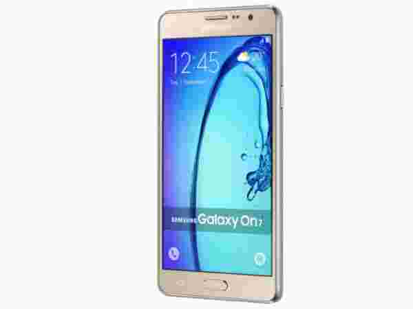 Samsung Galaxy On7 - at Rs.7990 (Flat Rs.1000 Off)