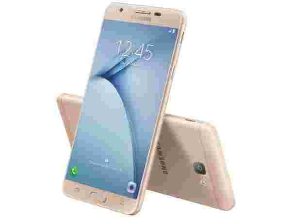 Samsung Galaxy on NXT (MRP: Rs 17,900, Offers Price: Rs 12,900)