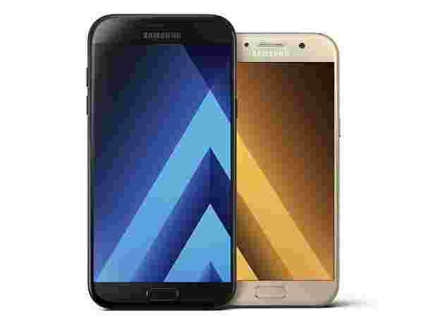 24% off on Samsung Galaxy A7 2017 (Black Sky, 3GB/32GB)