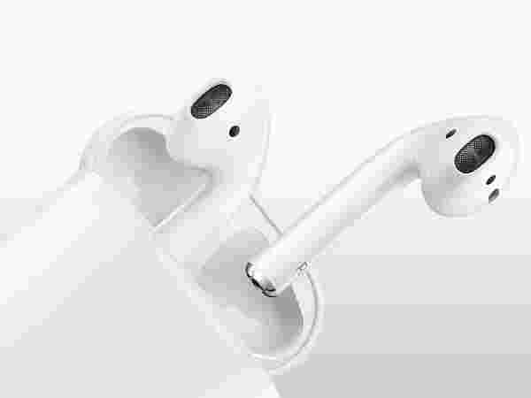 6% off on Apple Air Pods Wireless Headset with Mic  (White, In the Ear)