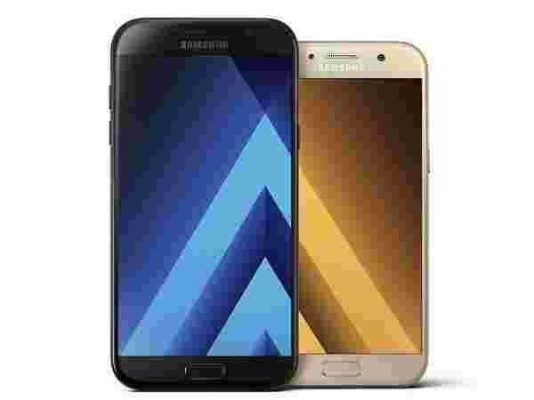 Exchange offer available on Samsung Galaxy A7 (2017) 32 GB (Black)