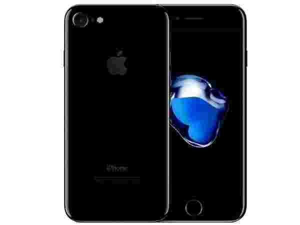 11% off on Apple iPhone 7 (Black, 32 GB)