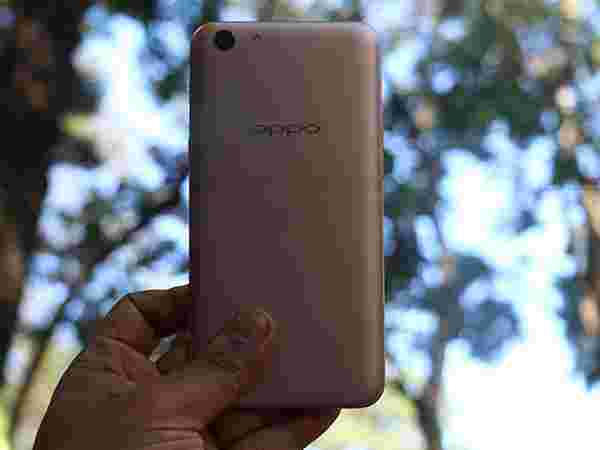AI Enabled Smartphone Oppo A71 Launched