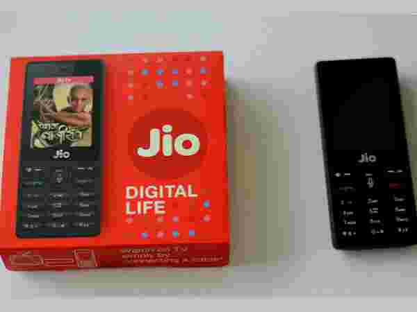 Reliance JioPhone can now be purchased from Mobikwik: How to order it?