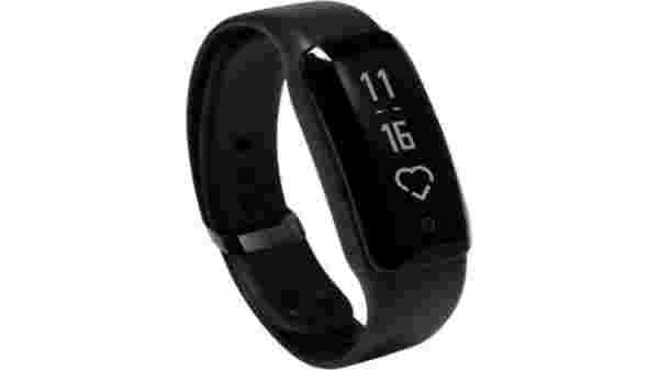 33% off on iVooMi FitMe Smart Fitness Band