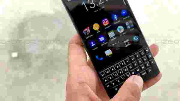 Keyboard: Relive old BB days with a modern touch