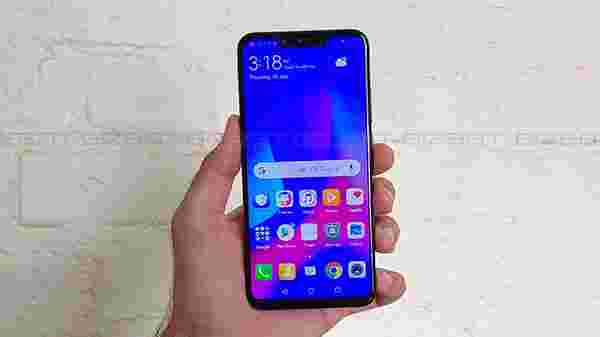 Large 6.3-inch Full HD+ display with a notch