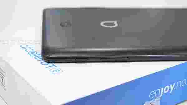 Alcatel 3T 8 specifications