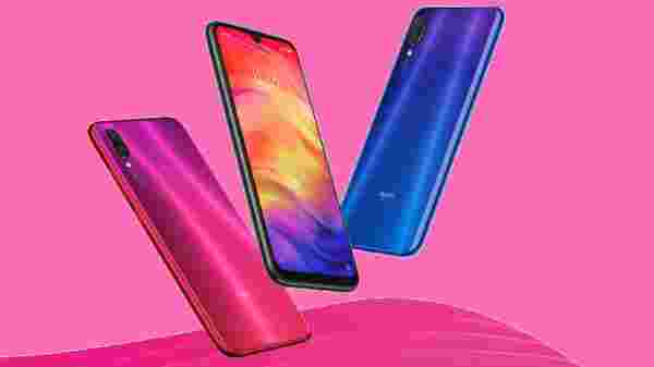 Xiaomi Redmi Note 7 Pro (MRP: Rs. 13,999, Price Cut: Rs. 2,000, After Price Cut: Rs. Rs 11,999)