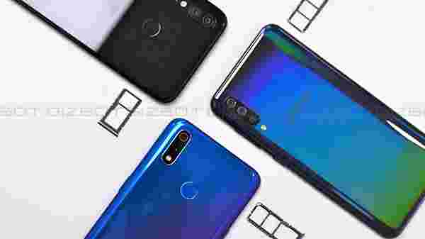Realme 3 Pro and Galaxy A50 offers dedicated microSD card slot