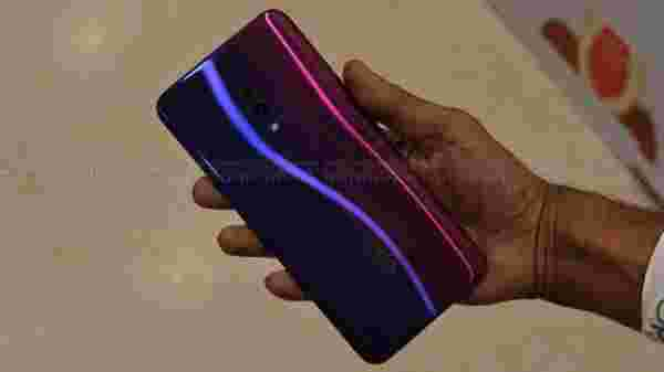 Gradient Design Similar to Oppo F11 Pro