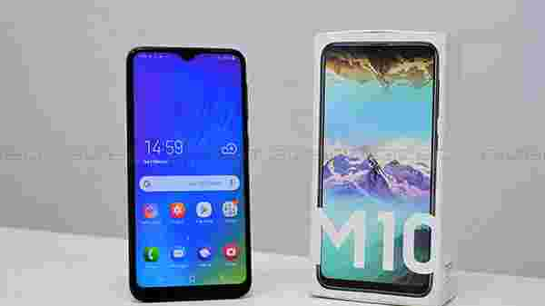 Samsung Galaxy M10 (EMI starts at Rs 376. No Cost EMI available)