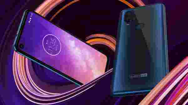 Motorola One Action (MRP: Rs. 16,999, After Discount: Rs 11,999)