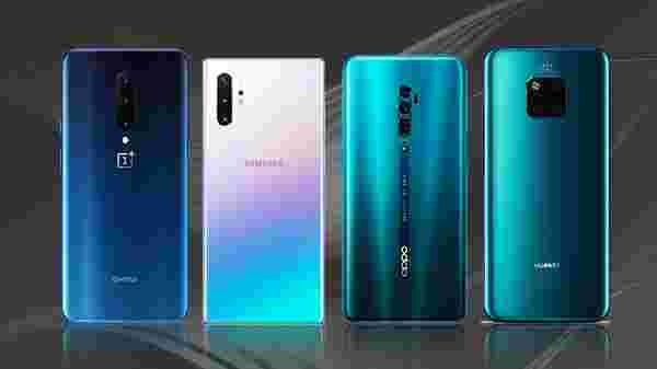 Best Premium Triple Camera Smartphones To Buy In India
