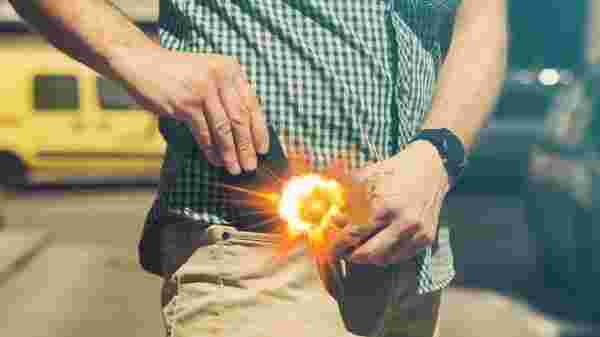 Mobile Blasts In India 2019: Mobile Explodes In Man's Pocket At Mumbai Restaurant