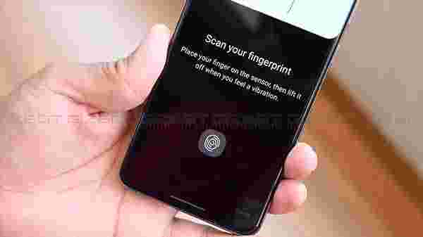 In-Screen Fingerprint Scanner And Face Unlock
