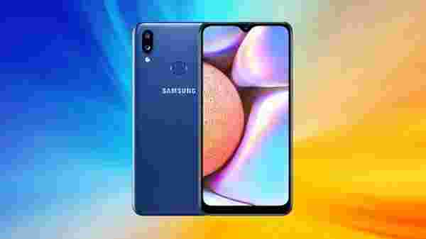 Samsung Galaxy A10s (Price: Rs. 8,980)