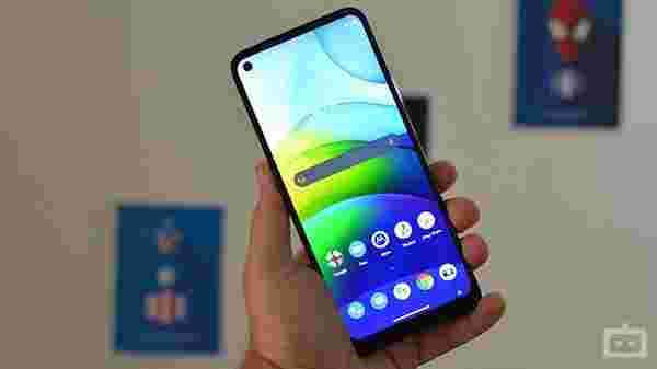 Moto G9 Power: Design And Display