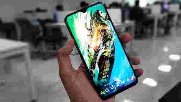 Samsung Galaxy M20 (83,467 ratings)