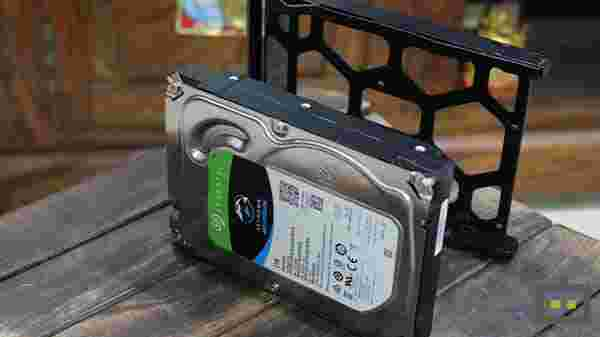 Fit The Hard Drives Into Trays