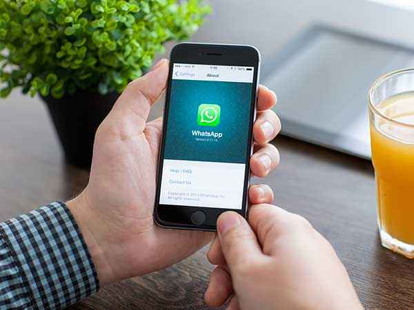 Here's A Simple Trick to Use WhatsApp on Apple iPad Without