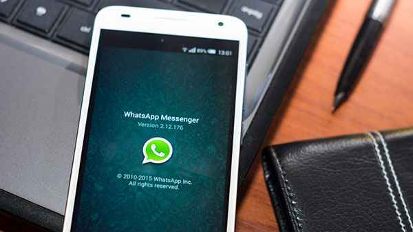 Here's a trick to create Fake WhatsApp and Facebook