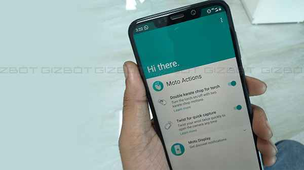 How to use Moto actions in Motorola One Power budget