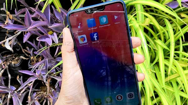realme-2-first-impressions-notched-display-bigger-battery-and-bigger-battery