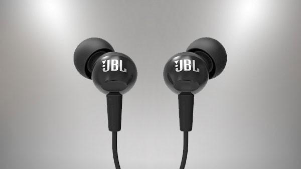 जेबीएल C100SI इन-ईयर डीप बास हेडफोन्स विथ माइक (ब्लैक)